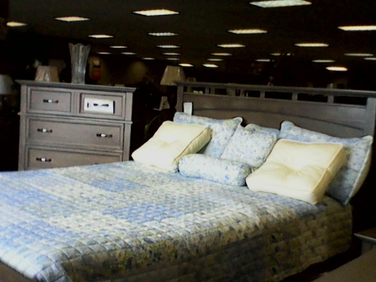 Bedroom Furniture- Rab\'s Furniture & Appliance