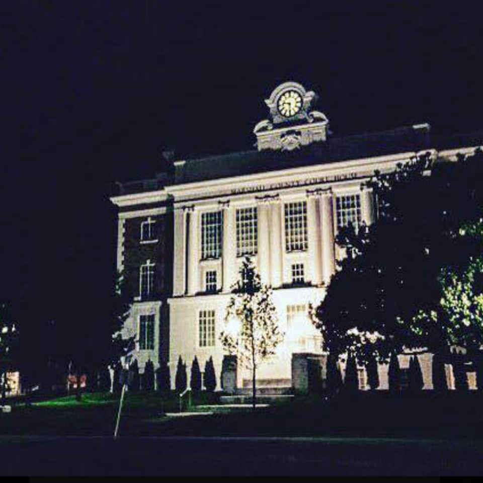 Night court house20161230 5501 gqovvt