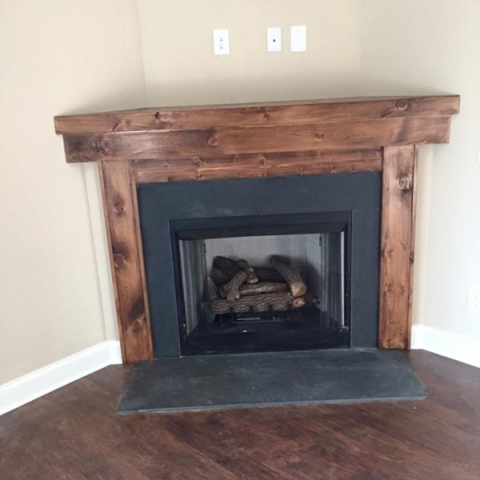 Jacovitch fireplace pic 3320170501 31304 111pz98