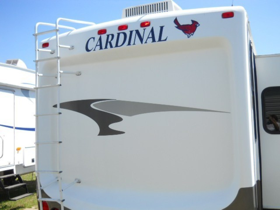 2008 Cardinal 35 Forest View - $29,000