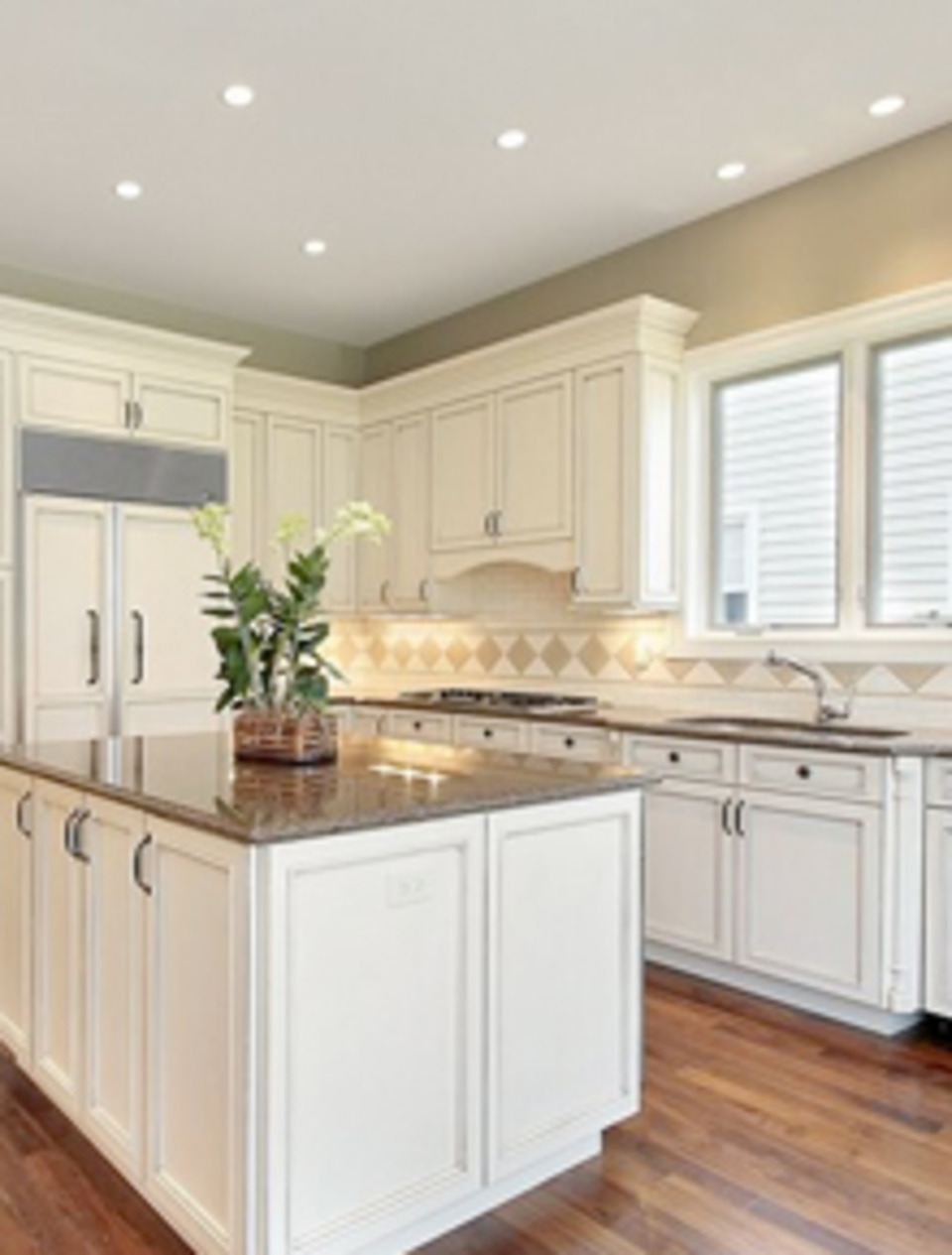 From floor to ceiling, we will help you turn your dream kitchen into a reality