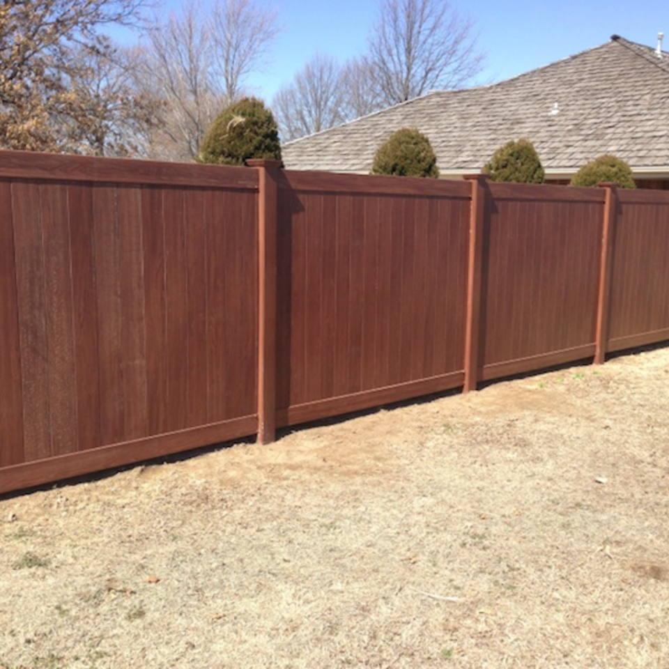 Midland vinyl fence   deck company   tulsa and coweta  oklahoma   vinyl metal wood fence sales and installation   privacy   vinyl faux wood grain privacy fence  tall20170609 24965 142mt3j