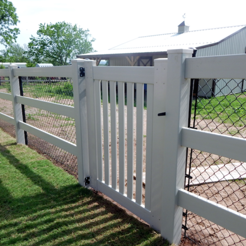 Midland vinyl fence   deck company   tulsa and coweta  oklahoma   vinyl metal wood fence sales and installation   ranch rail   vinyl white ranch rail fence with 3 rails  white vinyl semi private gate  black chain link closeup20170609 5047 1hqfg98 960x960