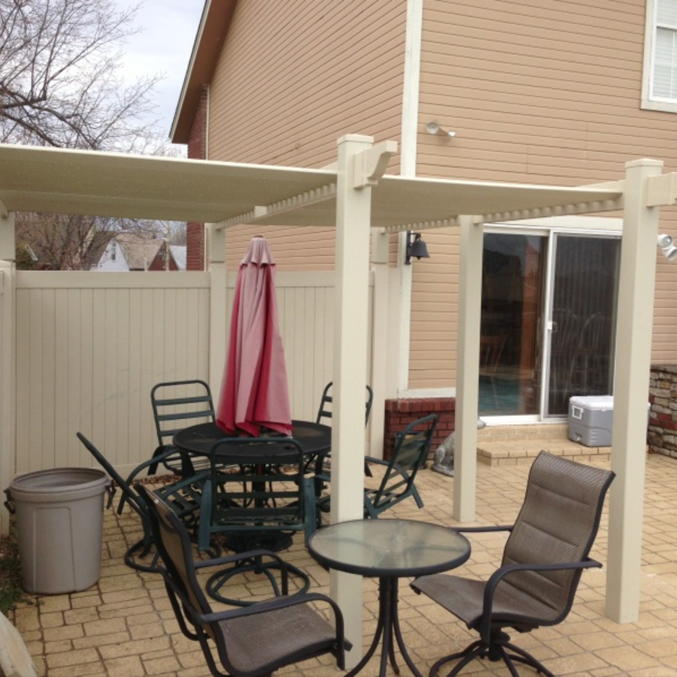 Midland vinyl fence   deck company   tulsa and coweta  oklahoma   vinyl metal wood fence sales and installation   outdoor living  pergolas   off white vinyl pergola on patio 320170611 19126 vvucbr