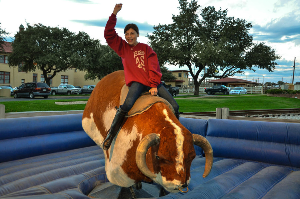 Mechanical bull fort worth stockyards fort worth tx20170727 30552 epbo2x