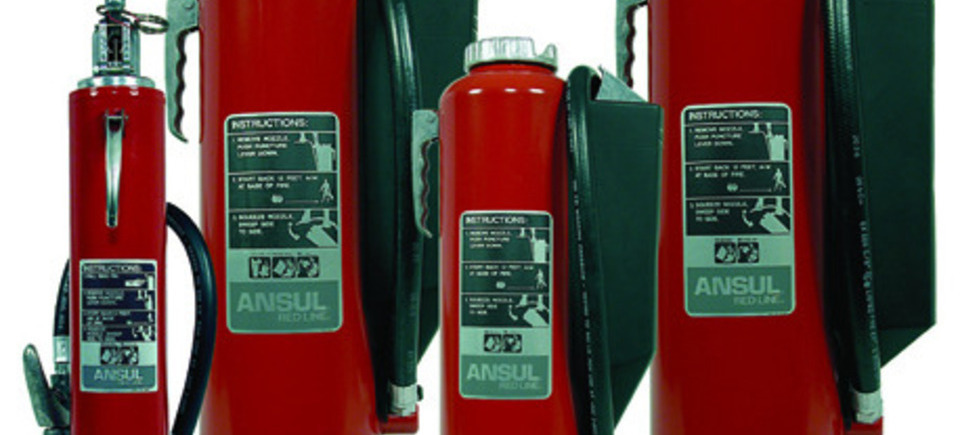251 red line hand portable extinguishers20130903 20437 icti2m 0 960x435