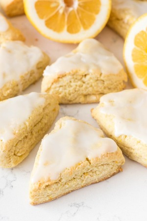 Mini lemon scones 2 of 720170926 27753 swlgv5