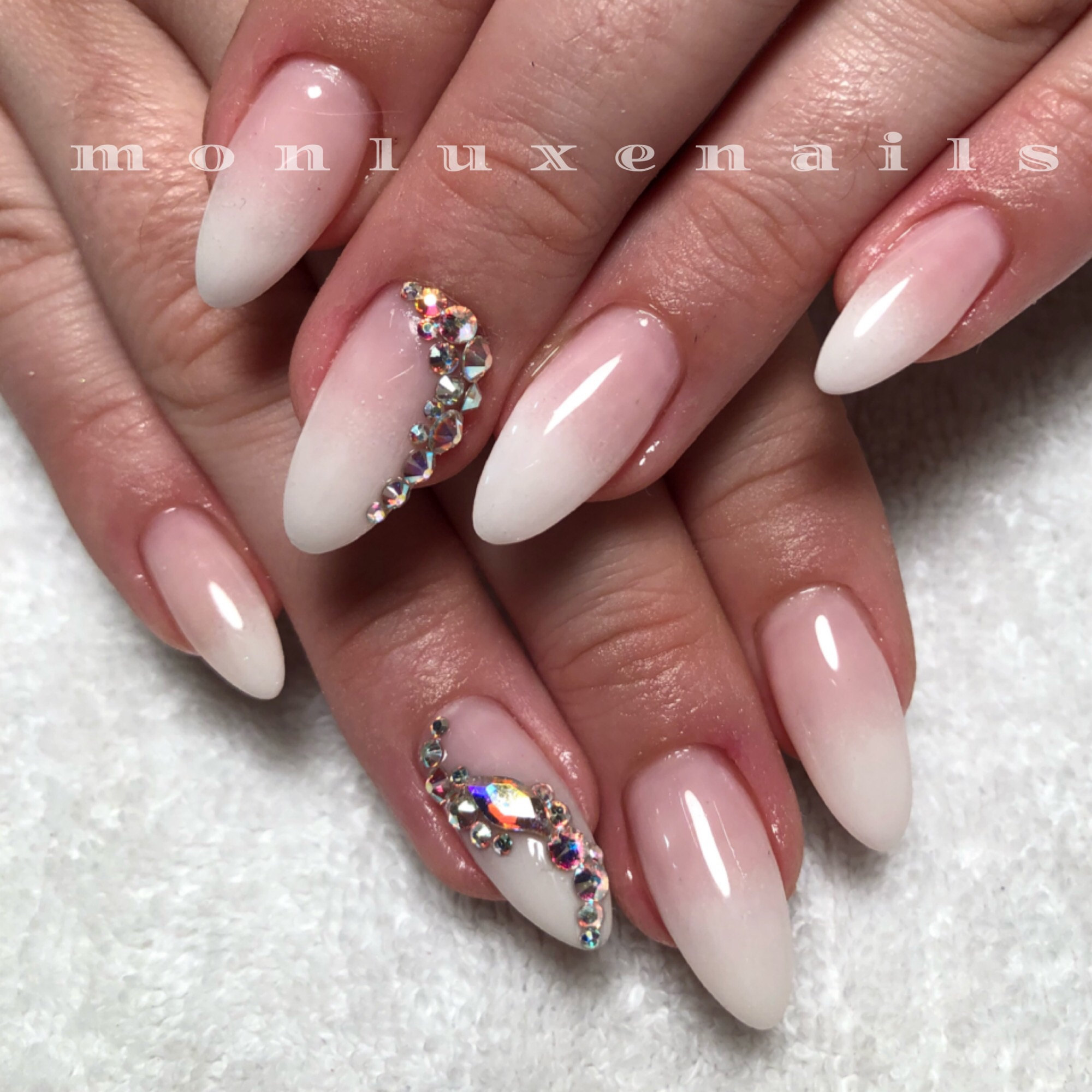 Mon Luxe Nails and Beauty Bar Toronto