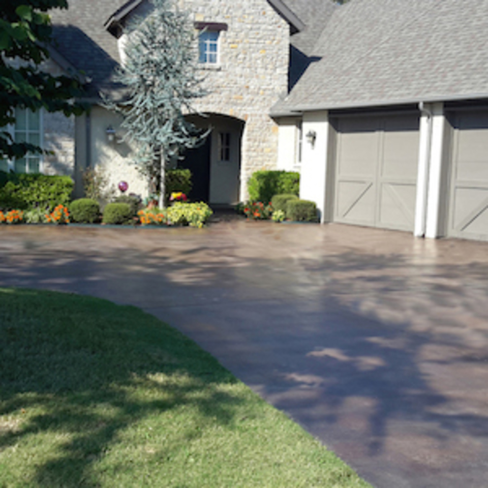 Engineered concrete systems   tulsa oklahoma   engineered driveways   beautiful stained saw cut new concrete driveway 20170911 102540 g20180126 18220 12xnhhi