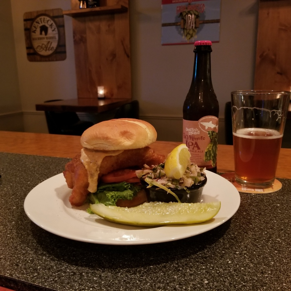 Gourmet burger with beer20180305 15978 1i3hdwd