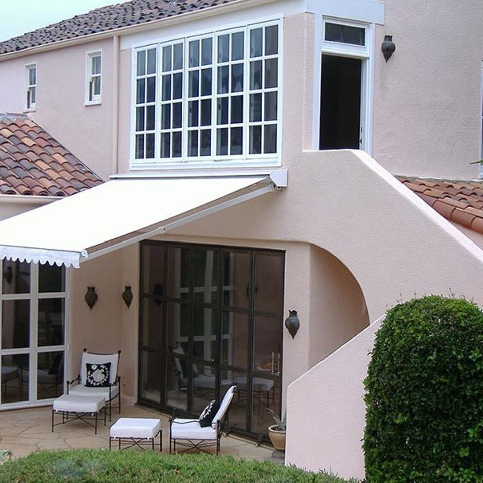 Retractable awning 220180510 15545 190yu1w