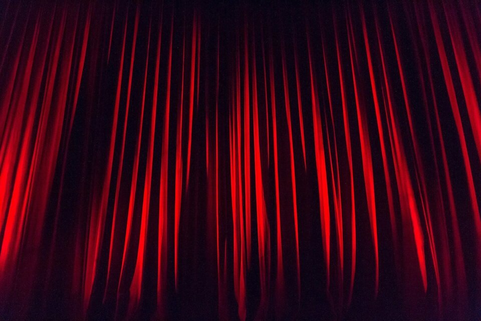 Stage curtain 50e6d5434d 1920