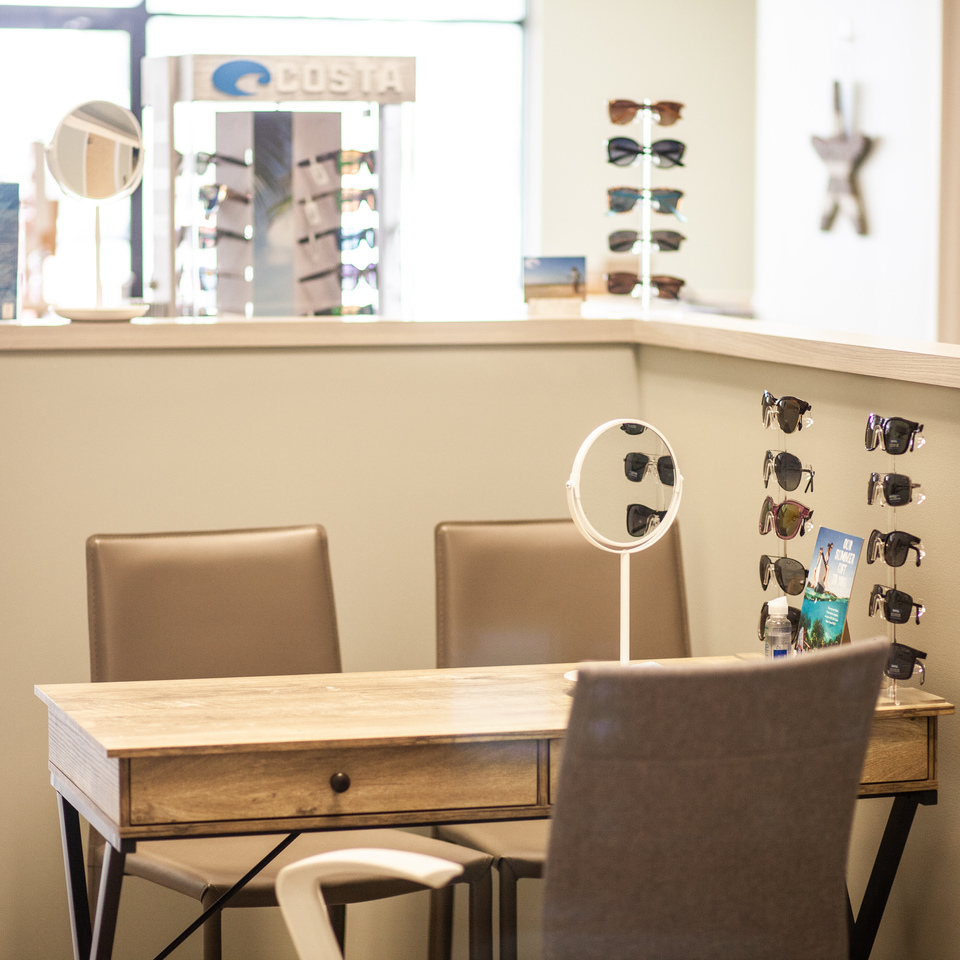 Optometrist.near.me.nearme.optometry.norfolk.virginiabeach.virginia.va.vabeach.norfolk.eastbeach.east.beach.chesapeake.eastoceanview.oceanview.ocean.view.glasses.eyeglasses.eyes.sunglasses.costas.gucci.verawang.eastbeach.optometrist.dr.james.komornik