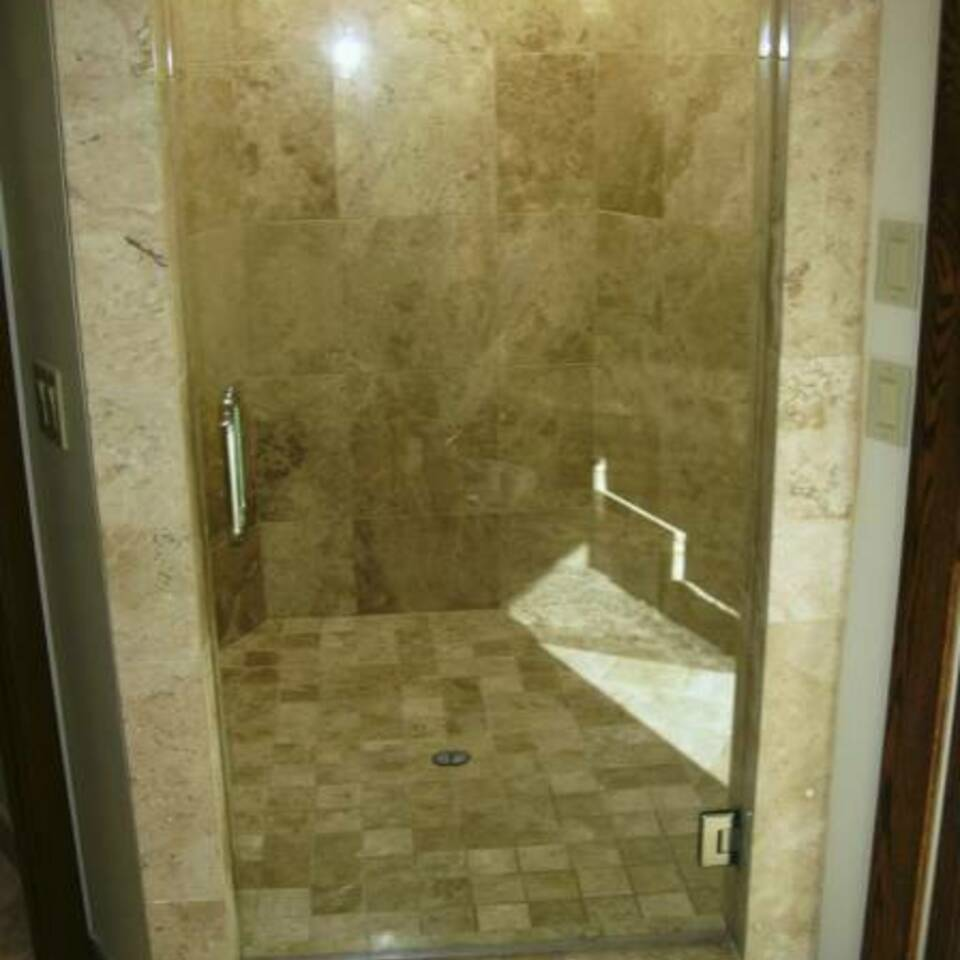Wallac shower1 448x600