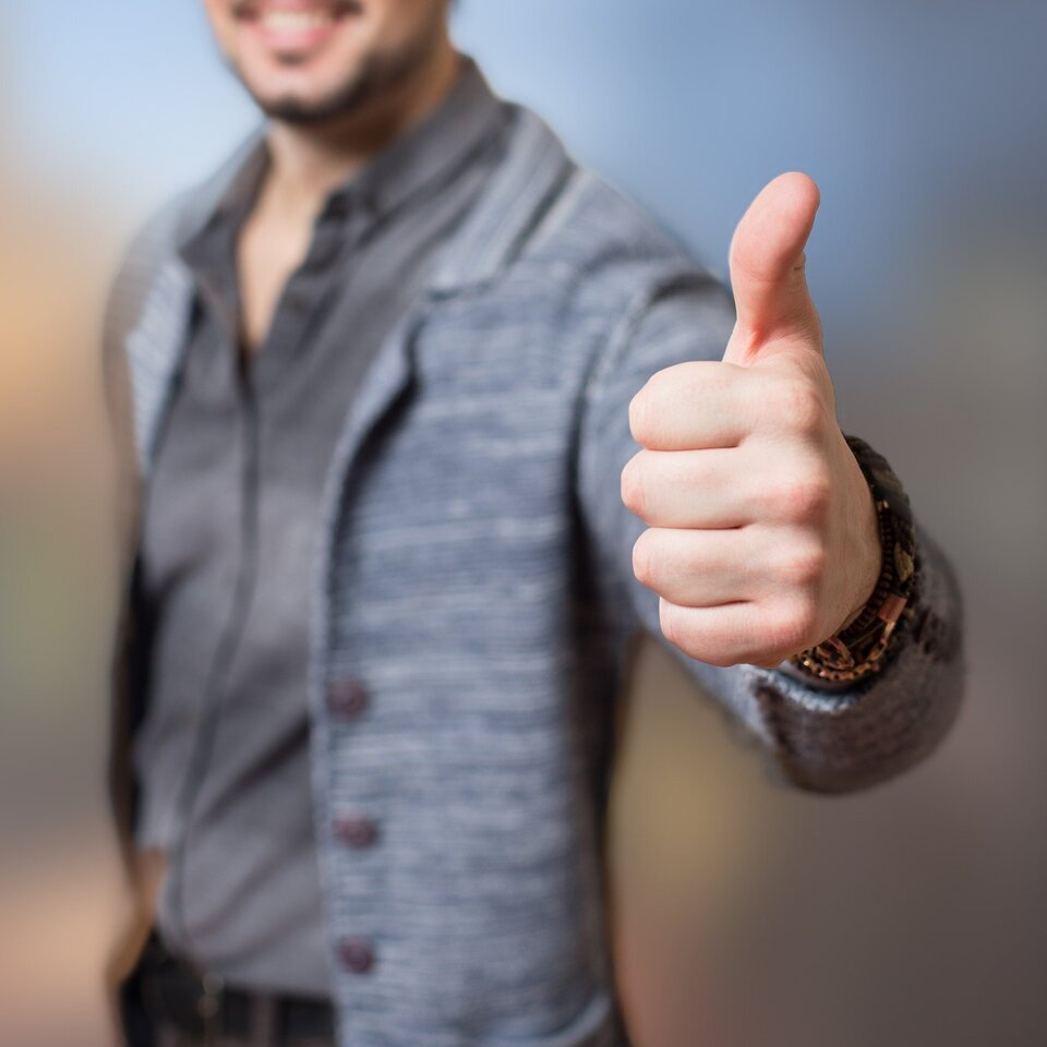 Thumbs up 52e1d74449 1920