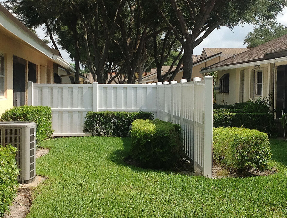 White breckenridge fence in meridian idaho