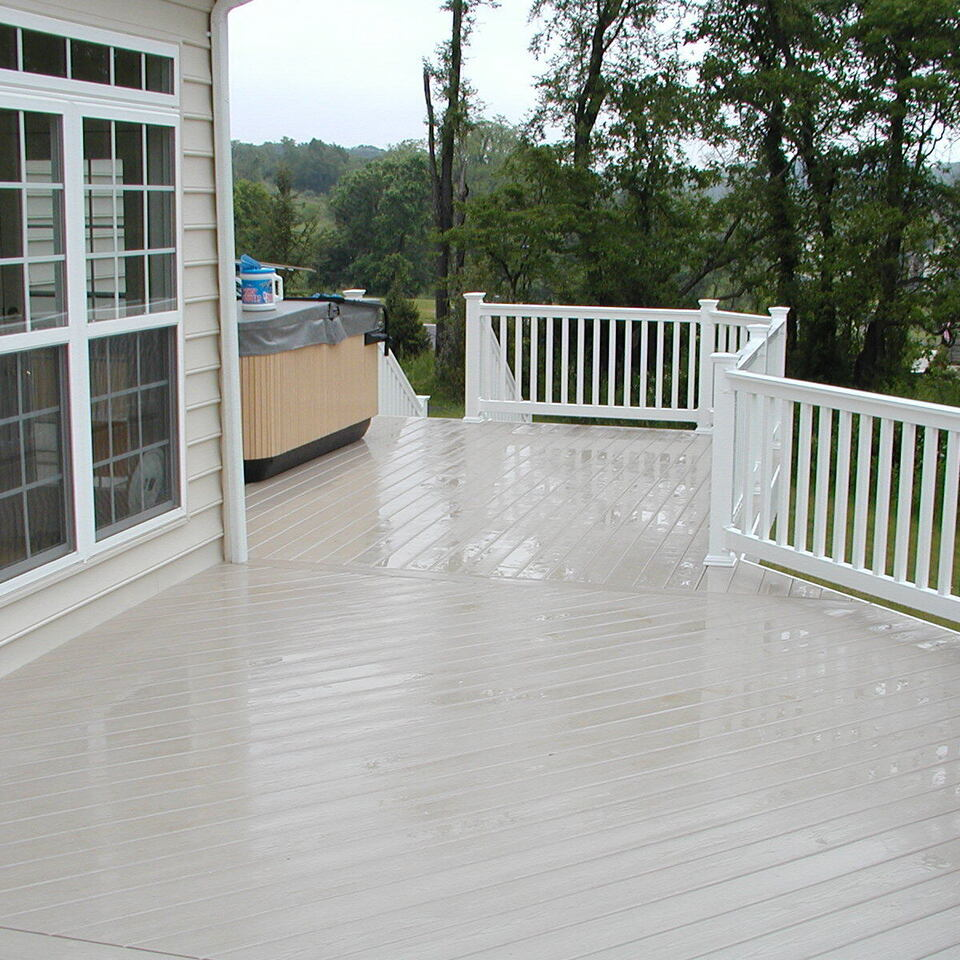 White railing custom deck in boise idaho