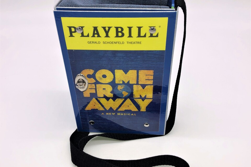 Handbag come from away   front