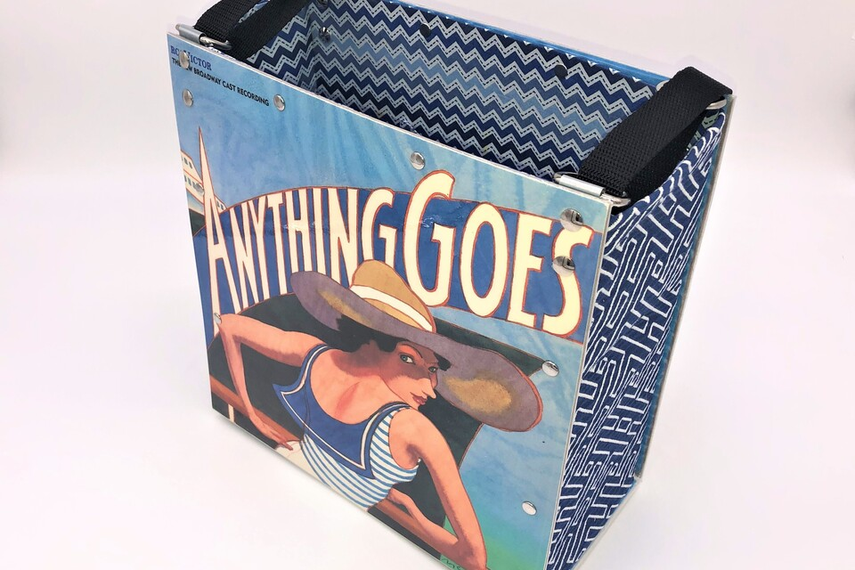 Tote anything goes   front