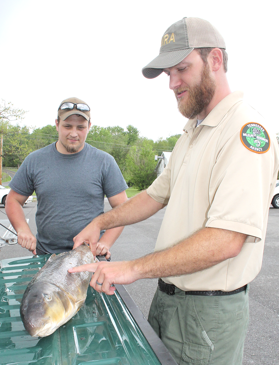 Local bowfisher gets state and world record fish