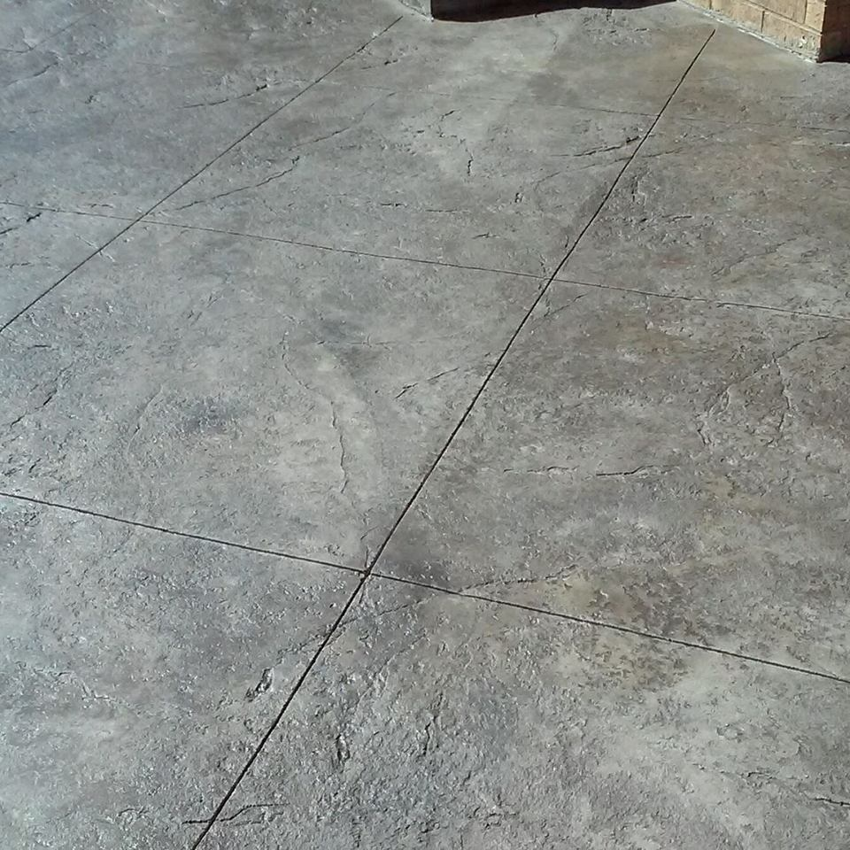 Patio  stamped   stained with edge 1 420170130 29793 gh540d