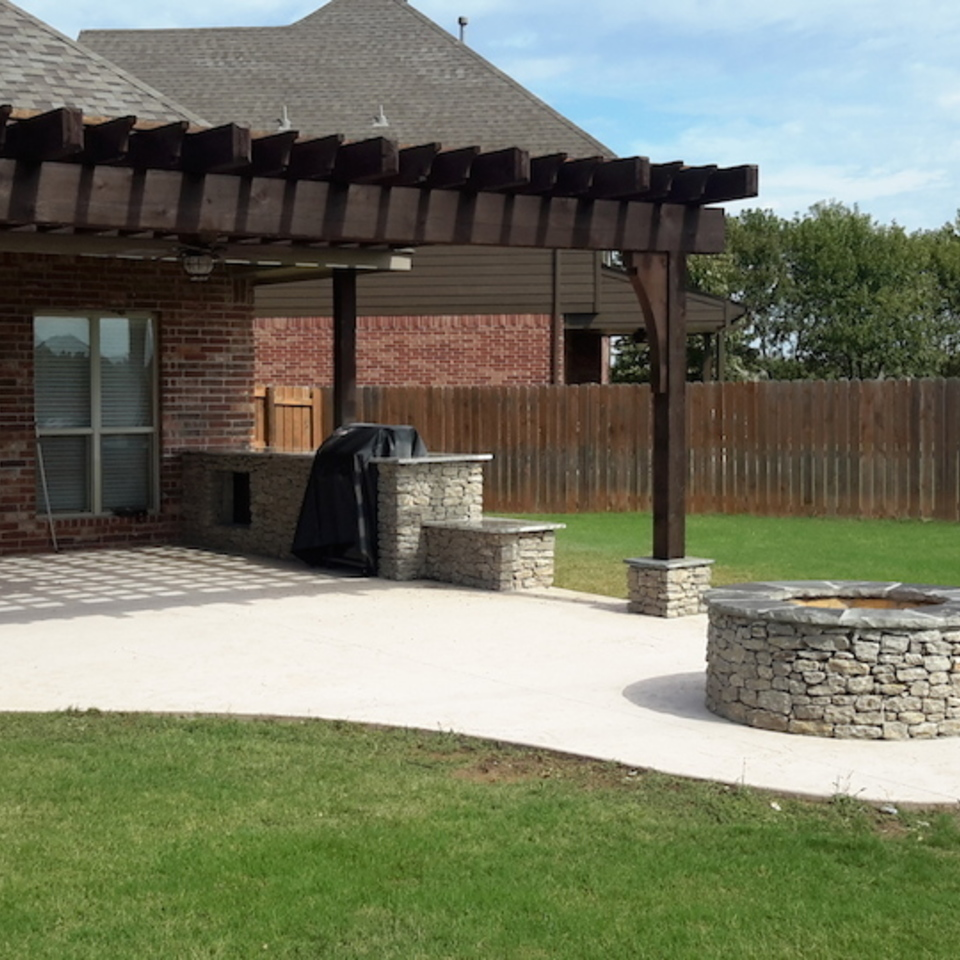Nuredo magazine   tulsa oklahoma   remodeling   engineered concrete systems   outdoor living pergola complete with outdoor kitchen and firepit20180126 11918 l4srgl 960x960