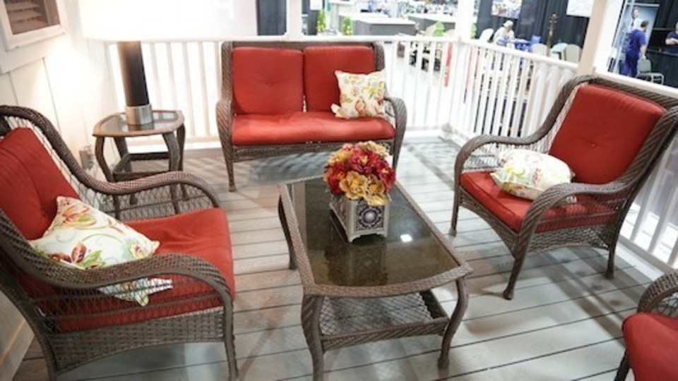 Nuredo magazine   tulsa oklahoma   living   2018 spring home and outdoor living expo   tiny home deck 30020180615 5729 dly6zu